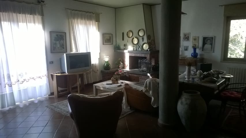 Villa Etna - Mansarda immersa nel verde