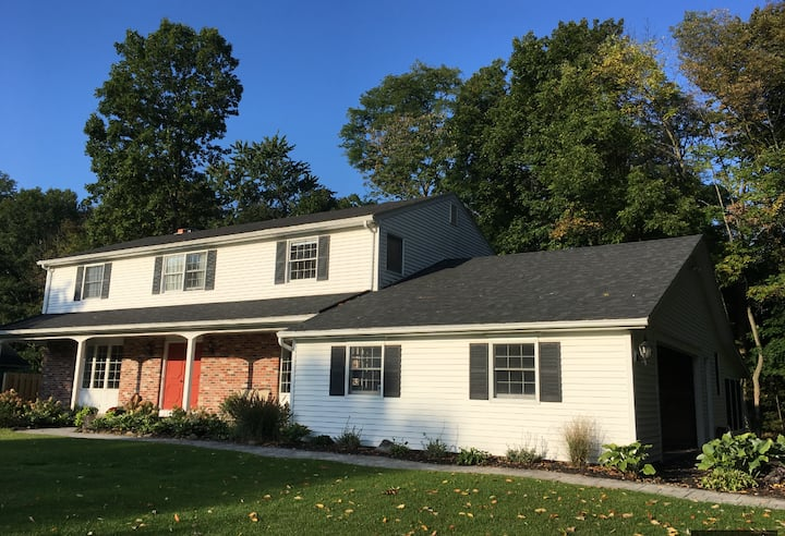 Spacious colonial in Penfield