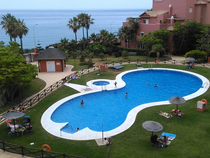 Apartment with 2 bedrooms in Torrox, with wonderful sea view, shared pool, furnished terrace - 100 m from the beach