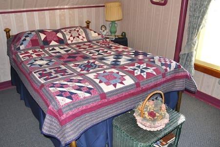 St. Ann Ranch Country Inn - Bedroom 5