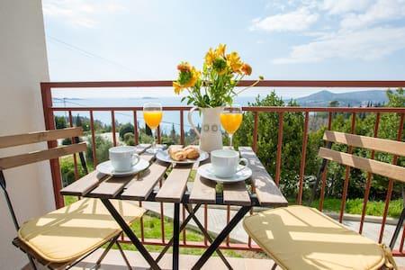 Villa Pergola - Beautiful ap. with stunning view