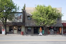 Kelseyville - come here for dinner or a scoop of ice cream