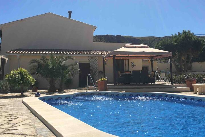 Country Bed & Breakfast Guest House, Arboleas