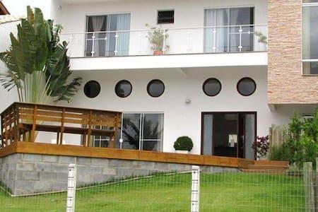 Bela casa em Garopaba - Garopaba