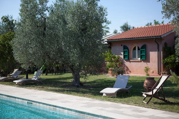 Family apartment in the countryside close to sea - Bolgheri - Apartamento