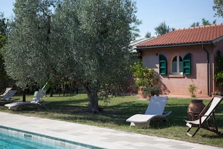 Family apartment in the countryside close to sea - Bolgheri