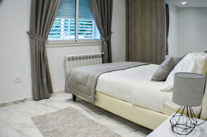 BEDROOM 2/ CHAMBRE 2