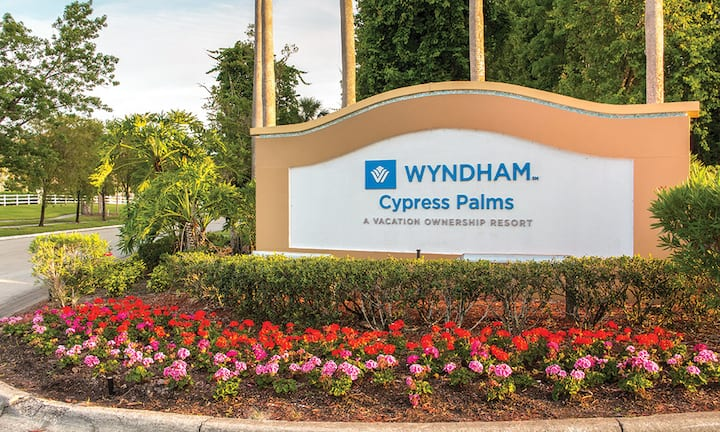 Wyndham Resort 10 Minutes from Disney, Sleeps 8