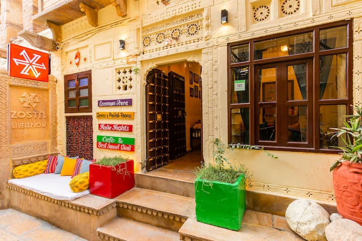 Private Hut Room in Jaisalmer