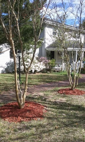 Country style home , the beach just down the road. - Holly Ridge - Bed & Breakfast