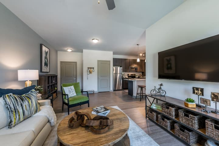 A place to call home | 2BR in Williamsburg