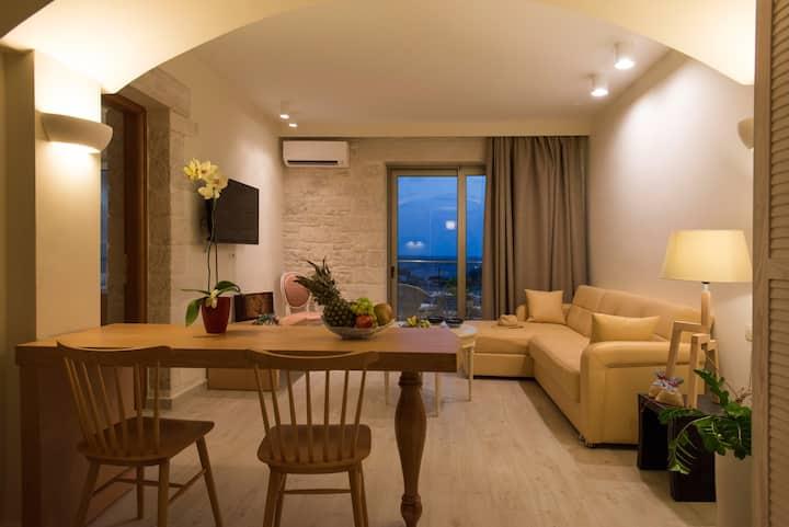 Erato Deluxe 2 bedroom Apartment with Sea view