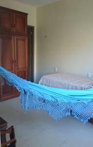 Suíte com 2 camas de Solteiro - Belém - House