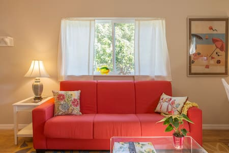 Private Loft Guesthouse in the Heart of Gulfport
