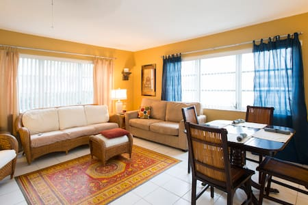 Mellow condo, walk to beach - Pompano Beach - Apartament