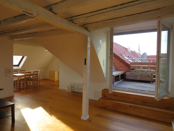 L8 Street - 100SQM ROOFTOP LOFT in K4 1