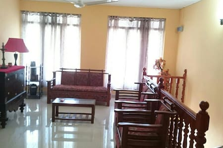 Spacious fully furnished cosy stay - Dehiwala-Mount Lavinia