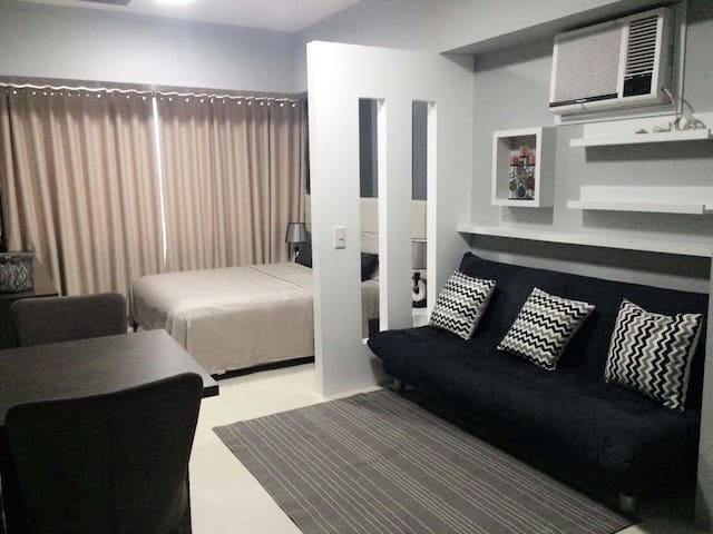 Fully-furnished & renovated studio @ The Lerato T1 - Makati City - Condominium