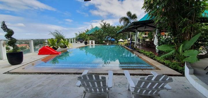 Sa Kamay ni Maria Private Hotspring Vacation Home