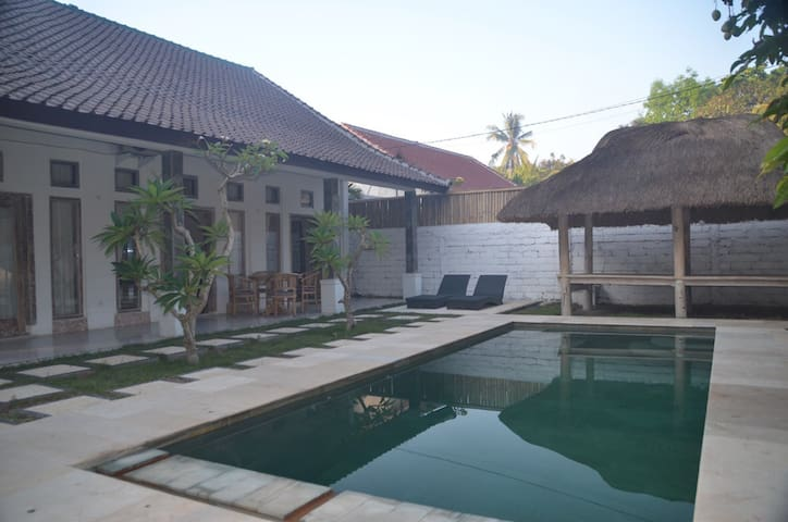 Kuta cottage - private, new, secure - Kuta - Talo