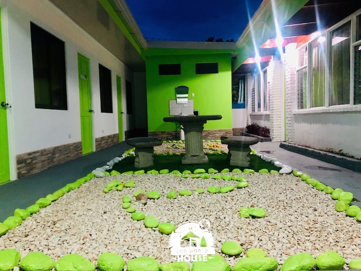 Habitación Peru en ECO-WORLD HOUSE, Costa Rica