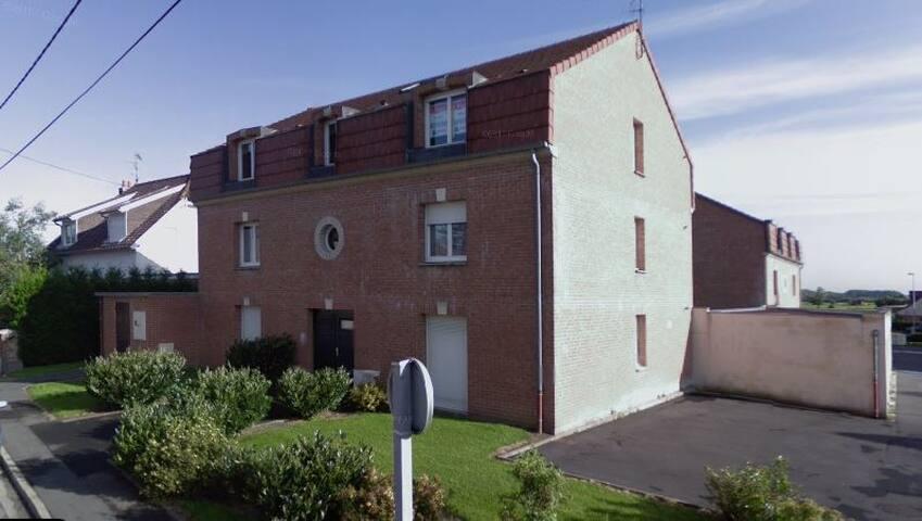 2 pièces dans quartier résidentiel à Saint-Saulve