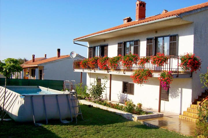 Comfortable and quiet apartment in Istria with privacy