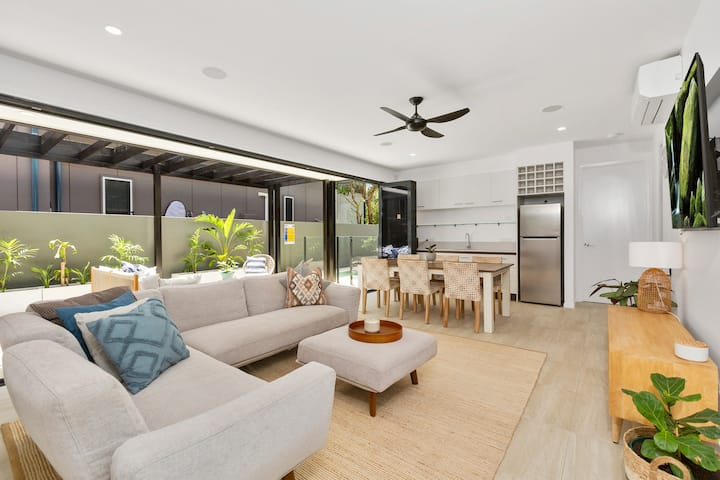 Secluded Self-Contained Beachfront Guest suite