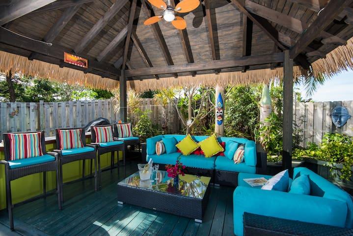 CoCo Gardens - Beautiful 3 bdrm Island Hideaway
