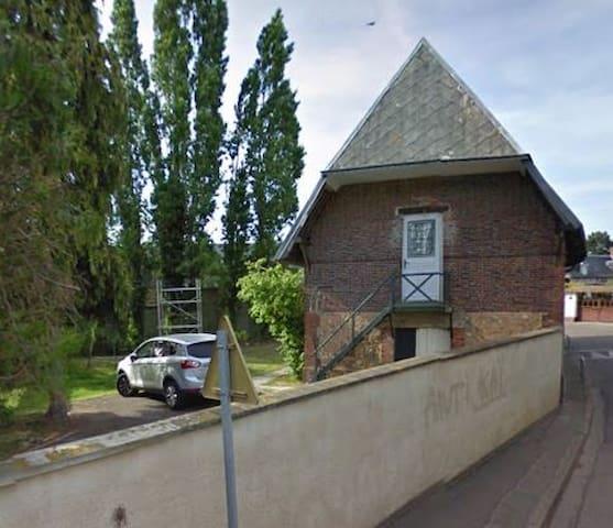la grange - Sacquenville - บ้าน