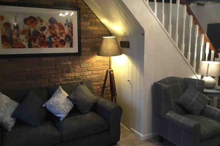 Lovely Cottage in village of Spittal Pembrokeshire