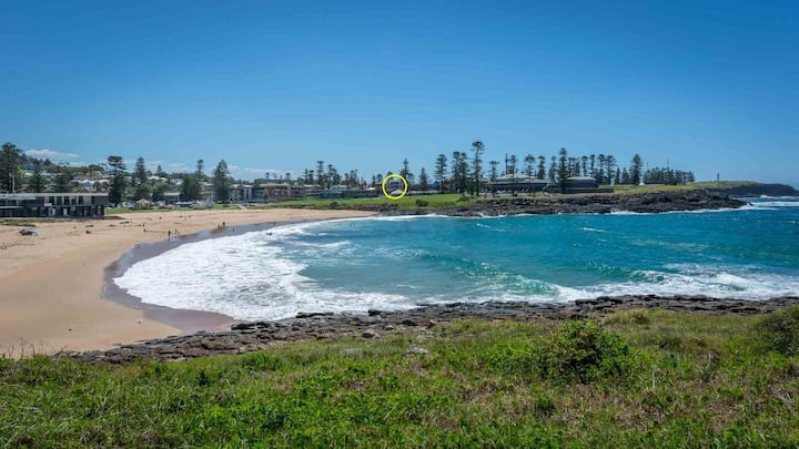BLUE WAVES, Kiama - 4pm check out Sundays!