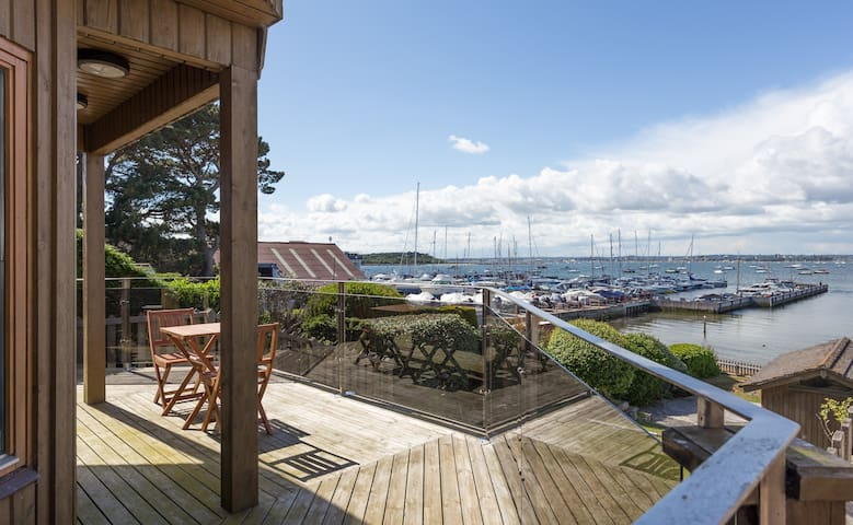 Stunning waterfront house with views Poole Harbour