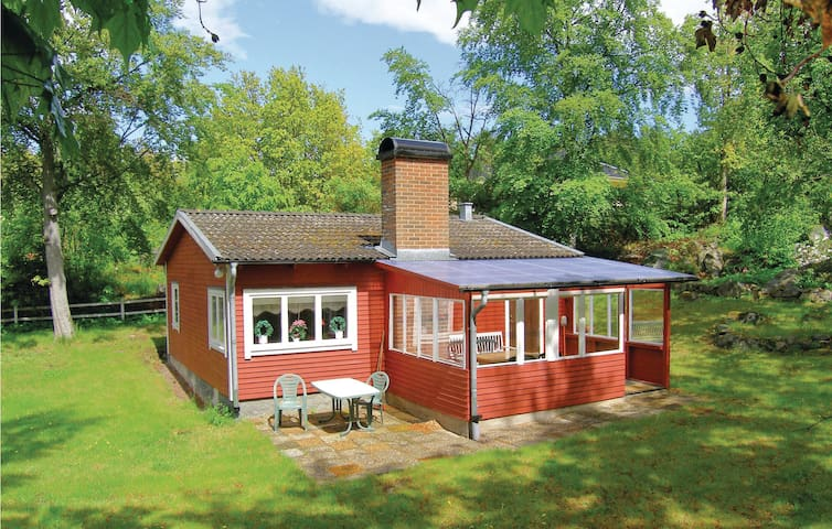 Holiday cottage with 2 bedrooms on 47m² in Ronneby