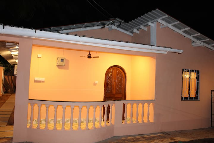 2BHK AC Villa near Bogmalo Beach and Airport!!