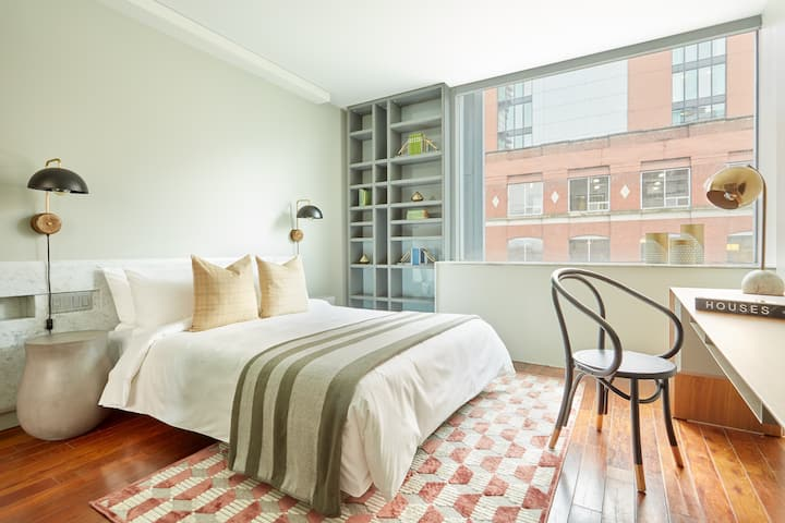 Sonder *Weekly Discounts* Room in Entertainment District