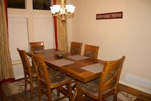 Dining room (8 chairs)