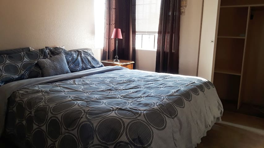 Quaint Guest Bedroom w/Shared Bathroom-Near Strip!