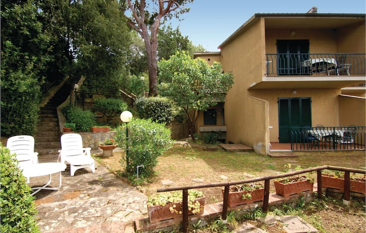 Holiday apartment with 2 bedrooms on 55m² in Puntone Scarlino GR