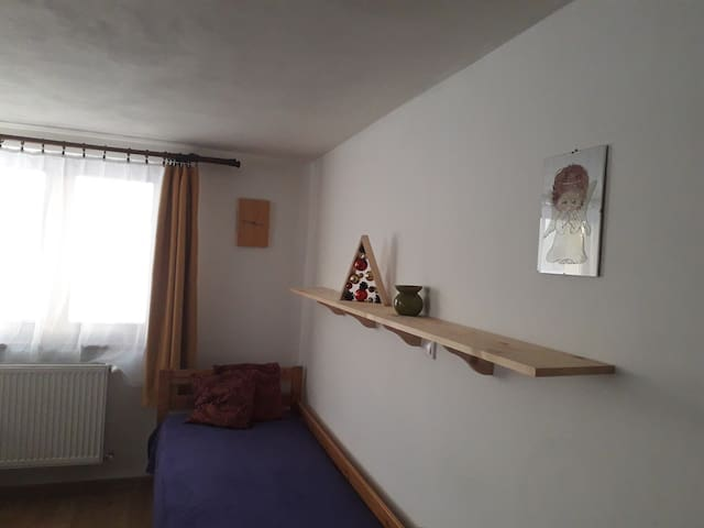 clean comfy family room in family house Orava