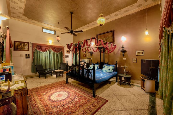 The Big Beautiful Bedroom @ Bakshi Heritage