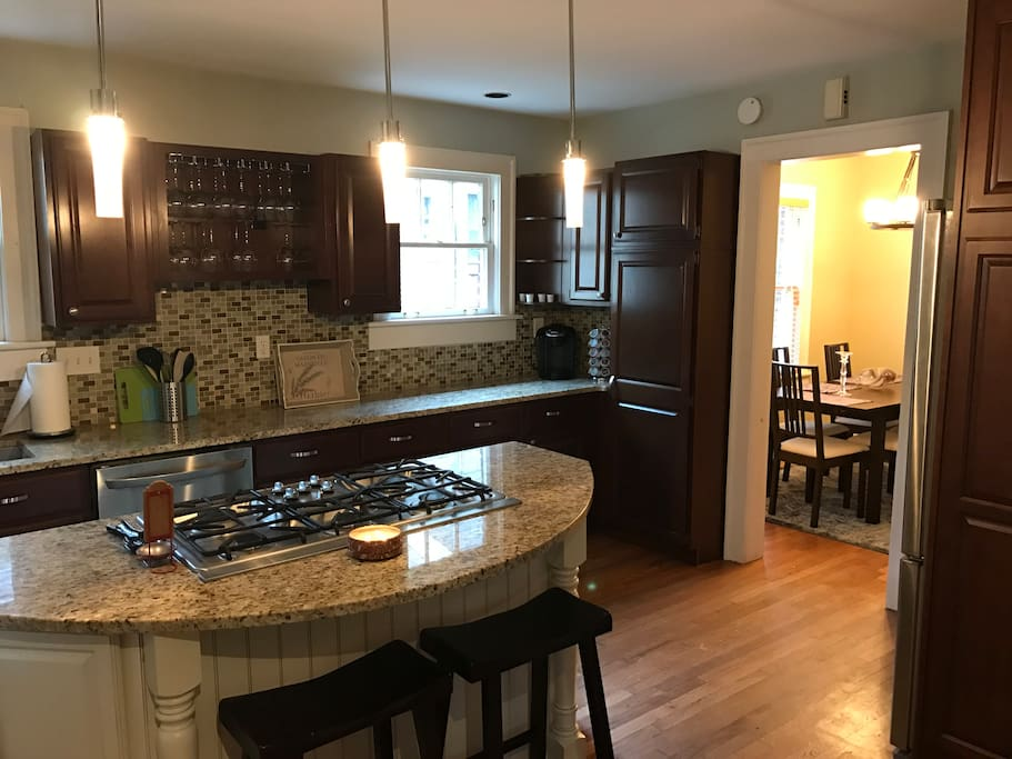 Full kitchen recently upgraded