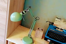 bedroom : bedside table and vintage typewriter