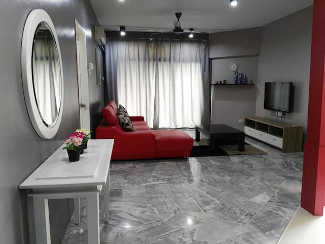 Cozy 3R2B Condo for 8pax! 5 mins to Sunway Pyramid