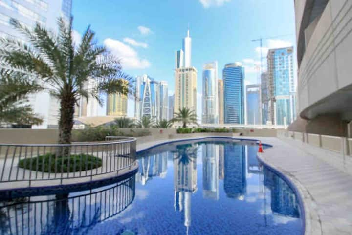 Spacious Private Room in Dubai Marina near Metro