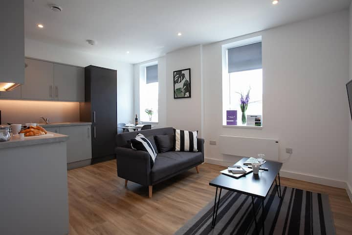 Luxury, Spacious Apartment in the centre of Manchester By Pillo Rooms