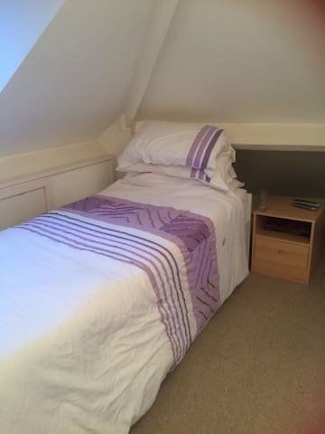 Single loft room - Ratby