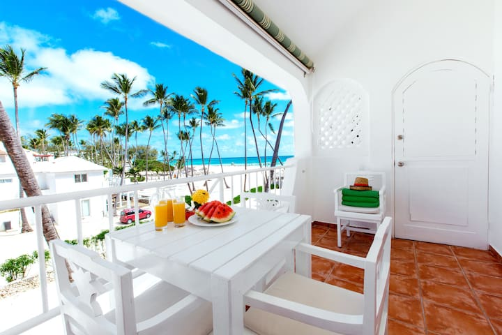 Beach front Ocean View Apt Paradisus WiFi Cleaning - Punta Cana - Apartemen
