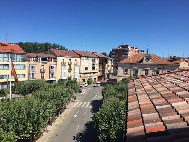 Piso en la plaza de Villarcayo 100mts