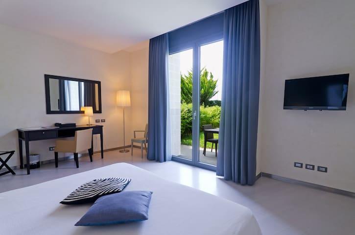 Hotel Riviera dei Fiori- Camera Deluxe